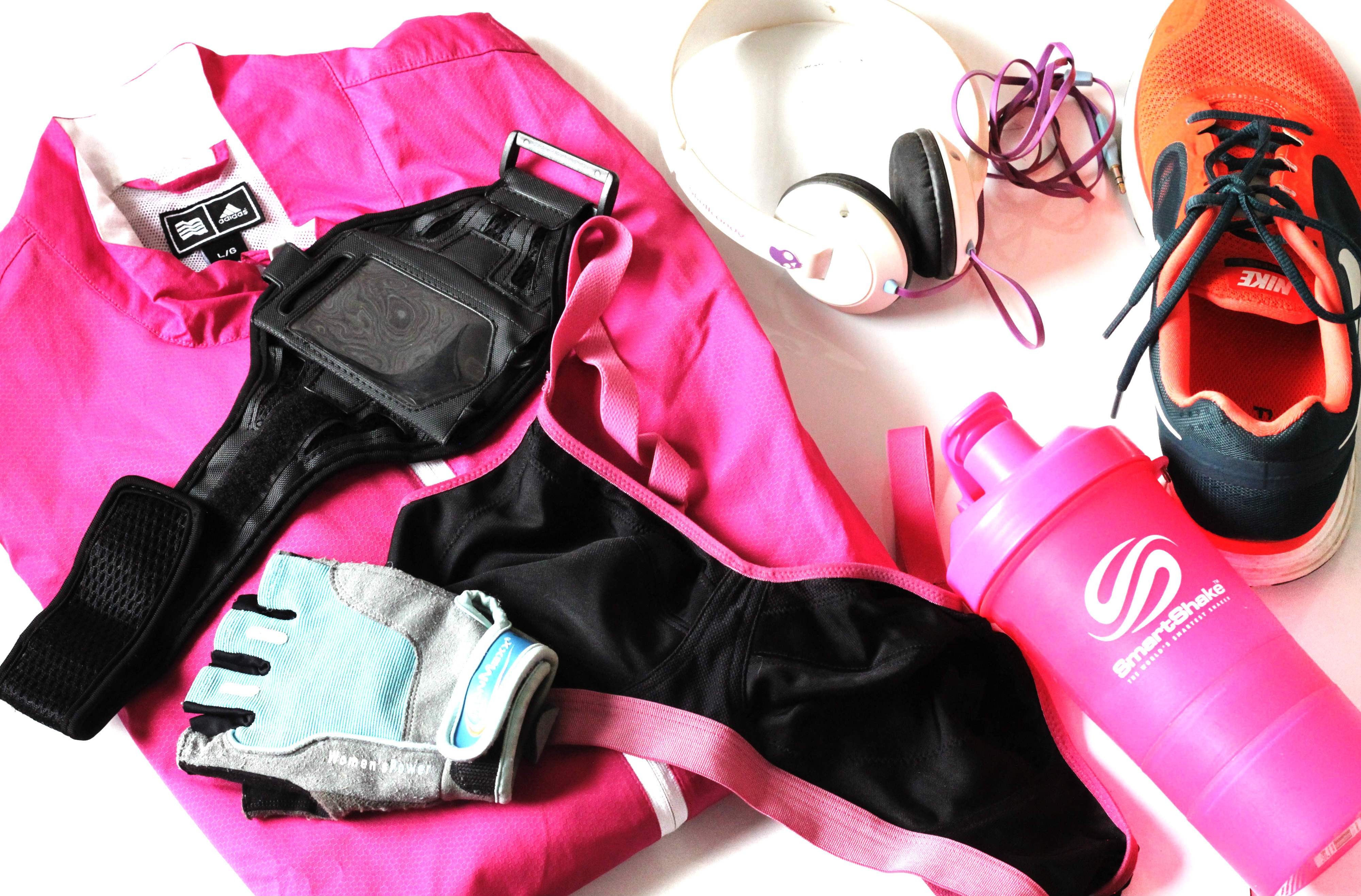 d4f5f362f8 Never Leave Home Without These Things In Your Gym Bag - Gym ...